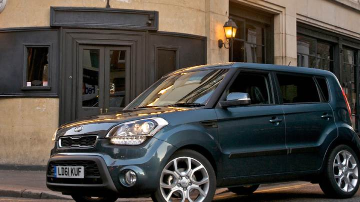 2012 Kia Soul UK In Grey Side Pose